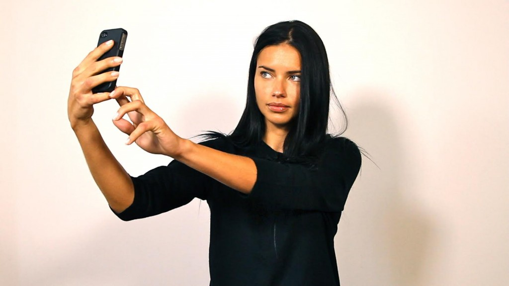 Instagram Facts: Selfies without Glasses Earn More Followers
